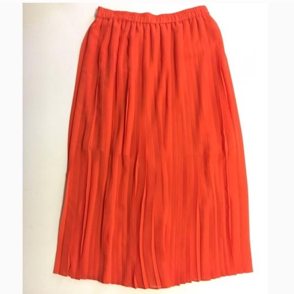 d2e98a0405c Pleaded midi skirt by Club Monaco